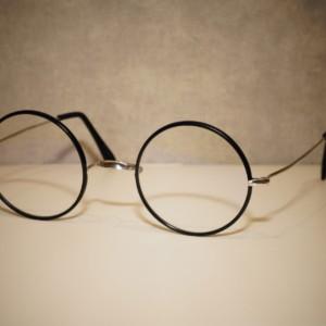 丸眼鏡とブルーライト