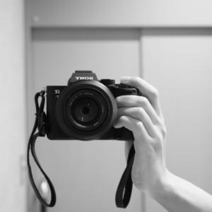 黒いカメラとメラニン